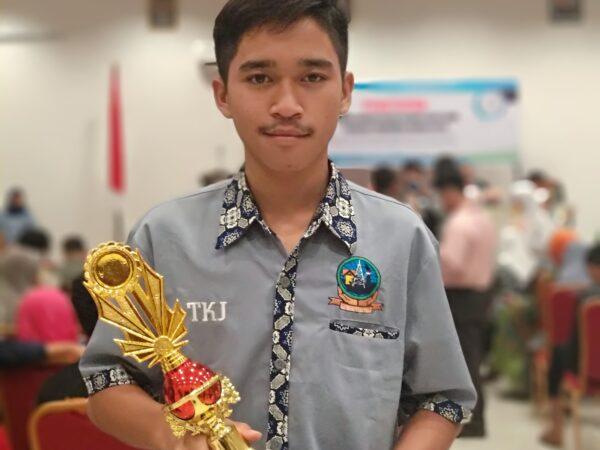 Juara 1 Lomba IT Network System Administration Tingkat Provinsi Sulawesi Selatan Tahun 2019